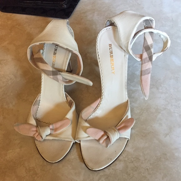 Burberry Shoes - Burberry white heels