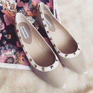 Steve Madden Shoes - Steve Madden Taupe Patent Leather Pointed Flats