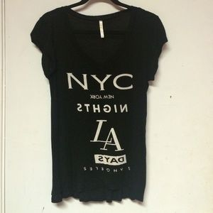Tops - NYC/LA graphic shirt