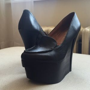Jeffrey Campbell - 'Get Out' Platform heels