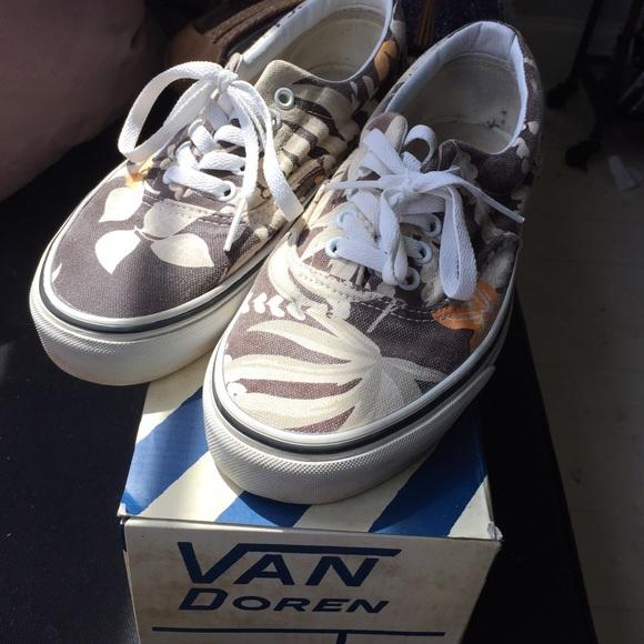 2cf2d6edcf3650 Vans Van Doren Maroon Hawaiian Era. M 55cf600835ade27ac5003eaa