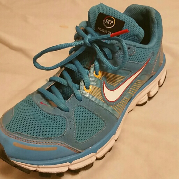 d2a287d62bfe ... wholesale nike air max moto 6 women running shoe mulberry healthbridge  84999 a3bf9