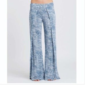 70% off Billabong Pants - Billabong linen pants from Amanda's ...