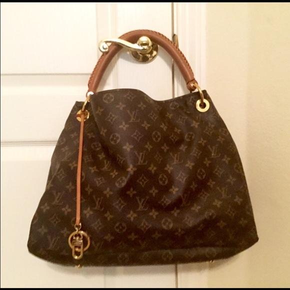 61% off Louis Vuitton Handbags - Louis Vuitton MM Artsy Hobo Bag ...