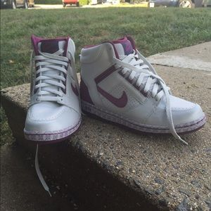 Women's Nike Air Force 2, size 9