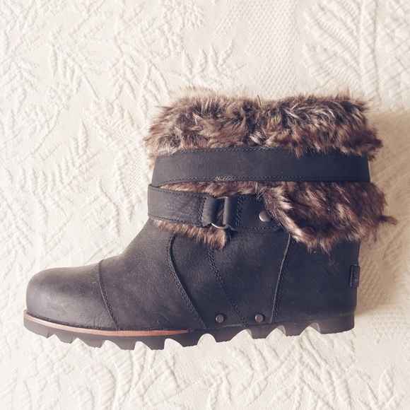 276d7e3016b Sorel  Joan of Arctic  Wedge Ankle Bootie. M 55cfb0ca2784935498006343