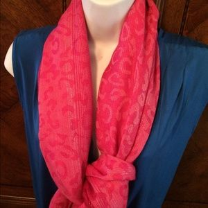 🆕Pink silky scarf NWT