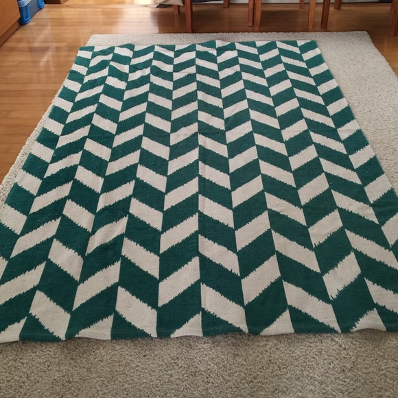 Tuscan Viga Chevron Denim Rug: 19% Off Urban Outfitters Other