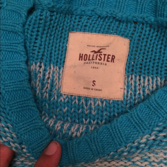 78% off Hollister Sweaters - Long Sleeve Knitted Hollister ...