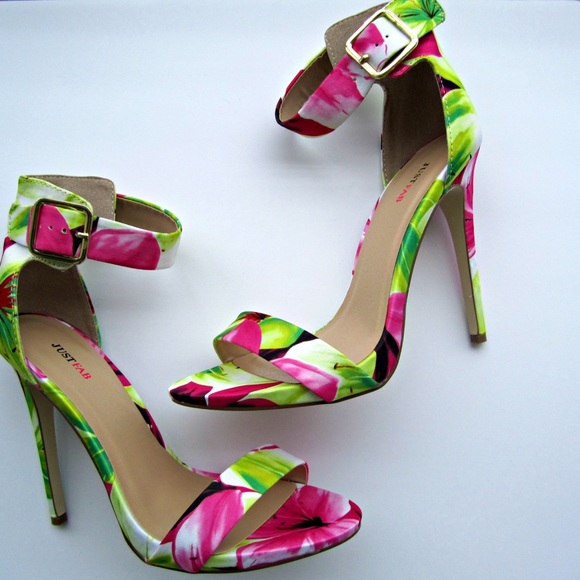 c2158880dc3 ... yellow flower pattern Claire Heels. M 55cff3492a75350964007eb9