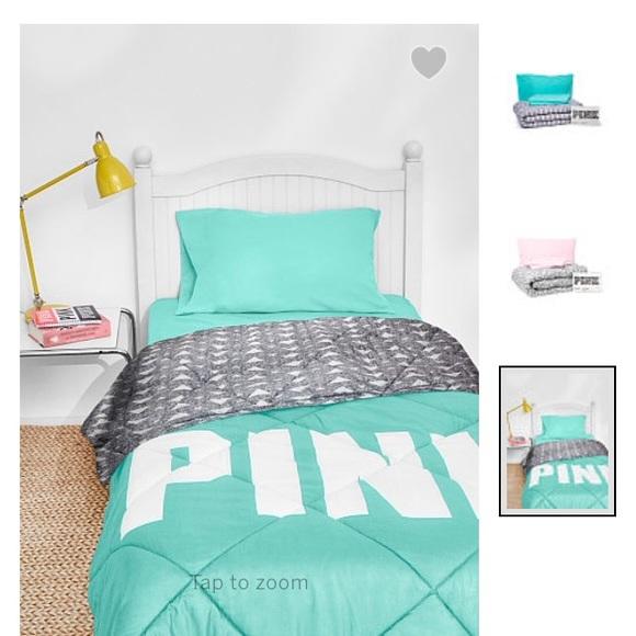 ️VS PINK QUEEN BED IN BAG SET NIB