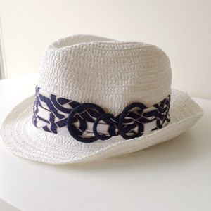 Laundry by Shelli Segal Accessories - Laundry By Shelli Segal White Chain Link Fedora