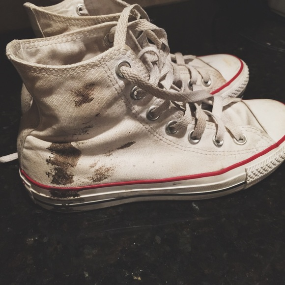 how to clean dirty white converse shoes