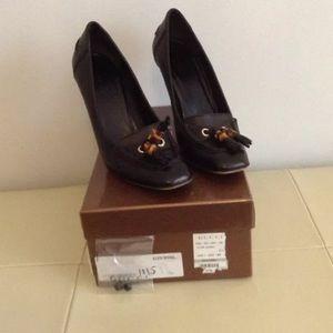 Gucci Shoes - Gucci Scar Pelle S Cuoio in Nero Pumps