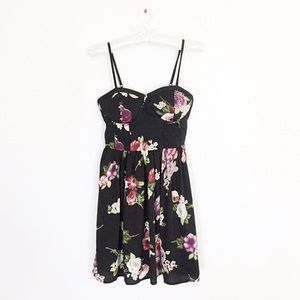 Dresses - Roses Sweetheart Dress with Bodice Look