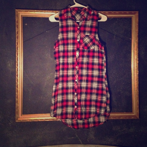 52 Off Forever 21 Tops Sleeveless Red Black Plaid