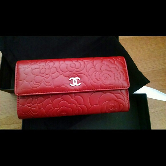 85487845491566 CHANEL Bags | Authentic Camellia Wallet | Poshmark