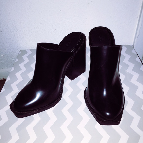 Zara Shoes | Zara Faux Leather Mules