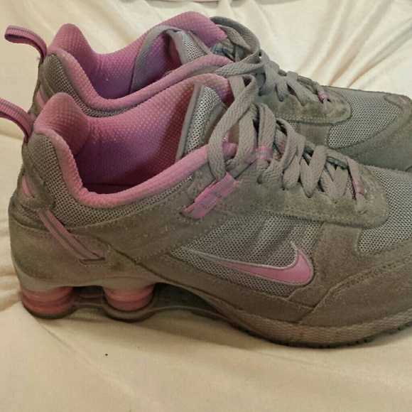 nike nike shock tennis shoes from elizabeth s closet on
