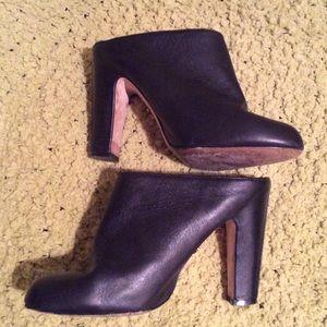 Nina Ricci Shoes - Nina AWESOME Buttery Black Leather Mule 8 EUC