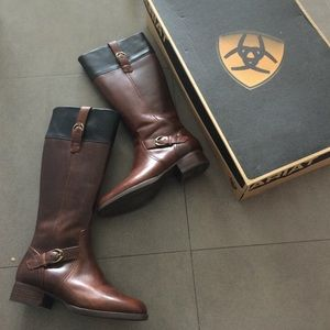 ARIAT two tone boots