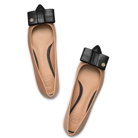 Tory Burch Aimee Bow Pointed Flats Nude/Black, 6.5