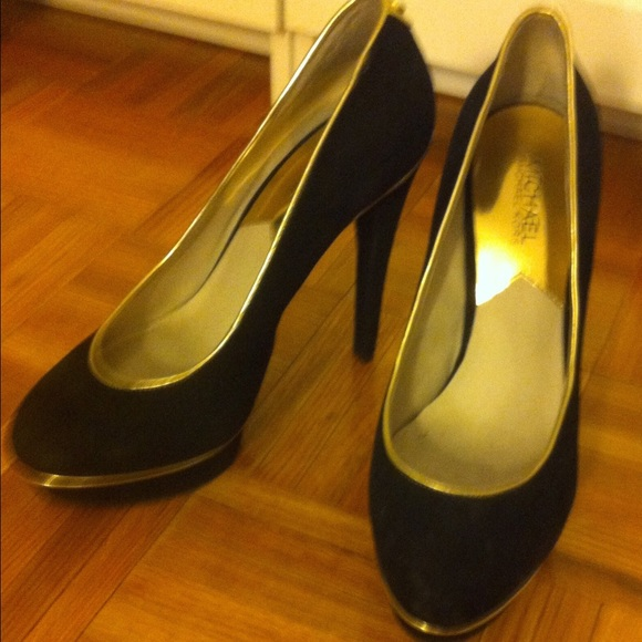31 michael kors shoes black suede heels with gold