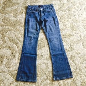 Levi's 518 Superlow Jeans