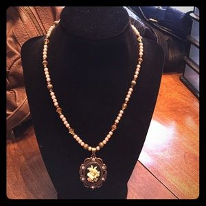 handcrafted beautiful old fashioned necklace