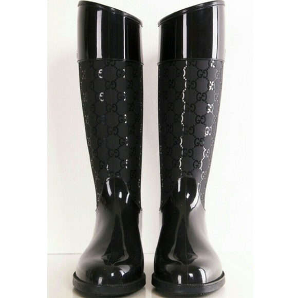 c932f7b76ff New with tags Authentic Gucci logo rain snow boots