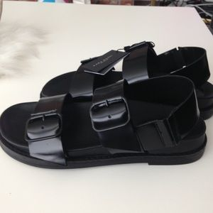 Zara Shoes - 🚨 SOLD 🚨 Zara Black Sandals