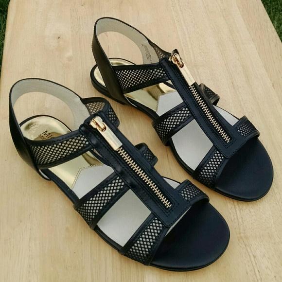 d85717581f4b •HP 8 27• MICHAEL Michael Kors zip flat sandals 8
