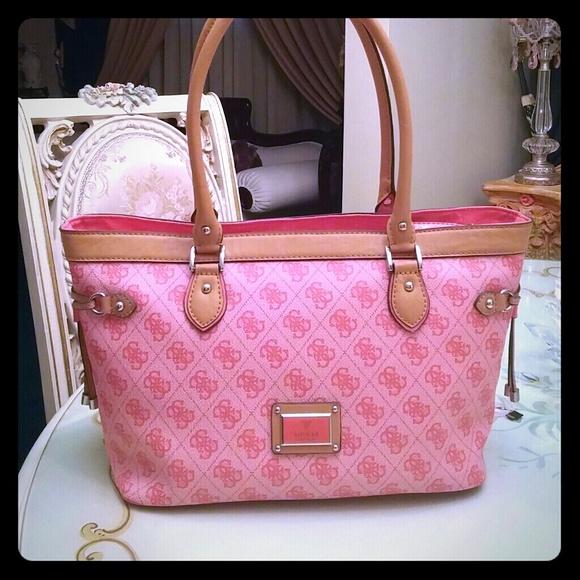 1324186d088b Pink Guess Purse