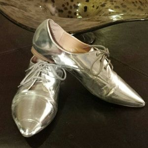 Silver pointy loafer