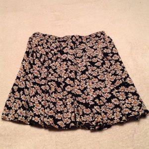 Brandy Melville daisy skirt