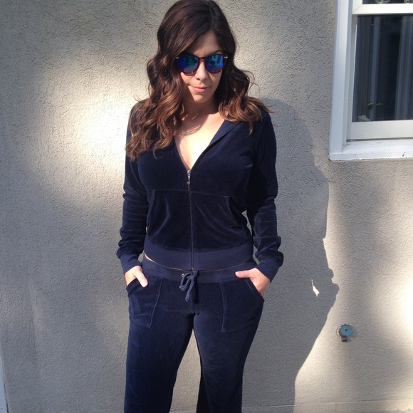 2618048bde1a Juicy Couture Other - Juicy Couture Navy Velour Tracksuit M L