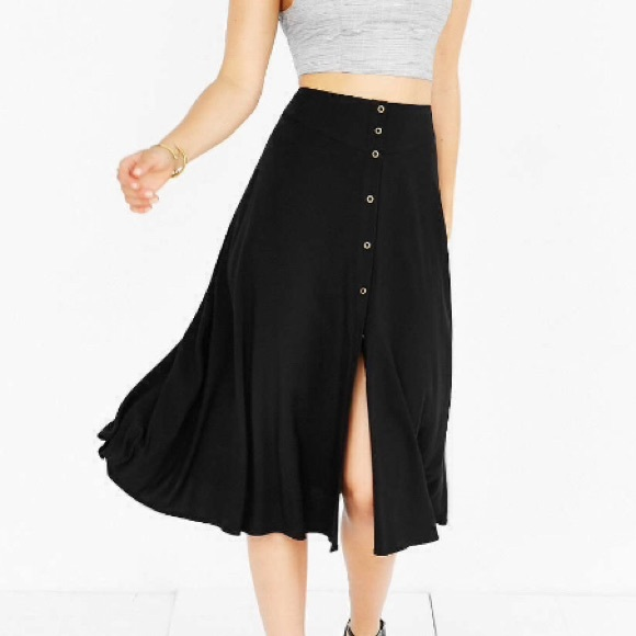 Urban Outfitters - NWOT Ecote Button-Down Midi Skirt from H's ...