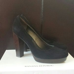 Banana Republic Suede shoes