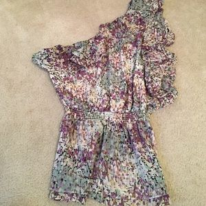 One Shoulder Floral Bebe top