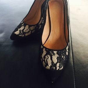 H&M black lace pumps