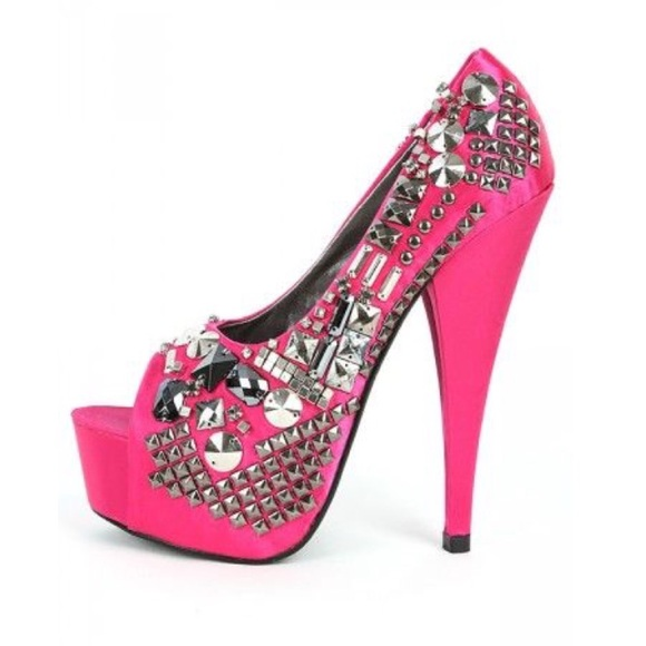 BOX 4 Kiss Kouture Platform Style High Heel Stiletto DIVA BLACK Size 7