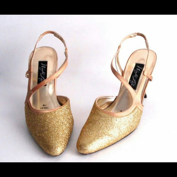 Night  Life Shoes - Gold Glitter Shoes Heels size 7 M Party Homecoming