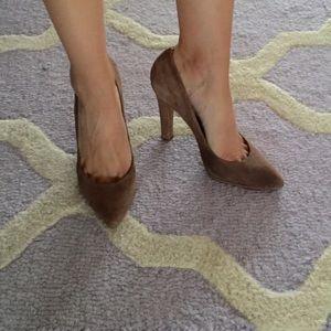SCHUTZ Shoes - Schutz Brown Suede Pumps