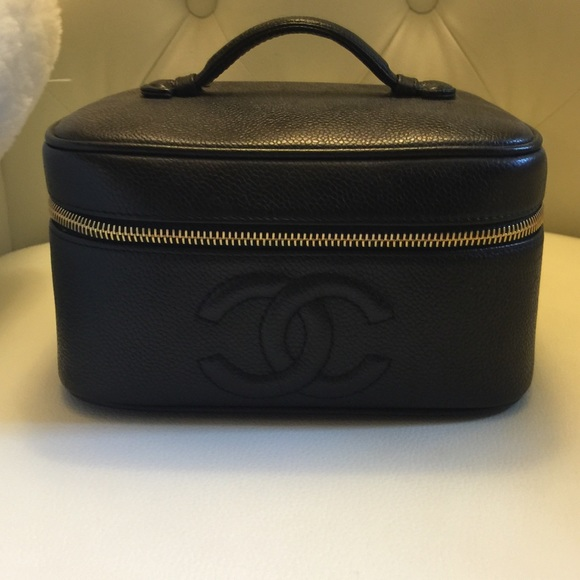 fa77aadab220 CHANEL Bags   Authentic Makeup Case   Poshmark