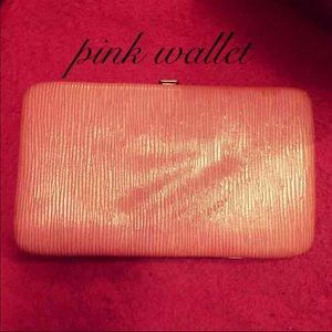 NWOT PINK WALLET 