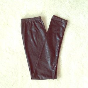Pants - Scaly Black Leggings