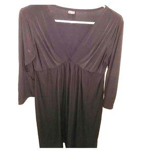 Olian Dresses & Skirts - Classic LBD, maternitystyle! Superflattering Olian