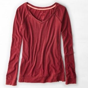 New American Eagle Long Sleeved V-Neck T-Shirt XS