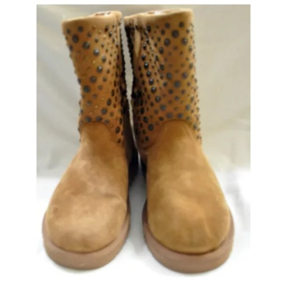 9cc2ab3b6a1 Ugg Australia Eliott brown suede studded boots