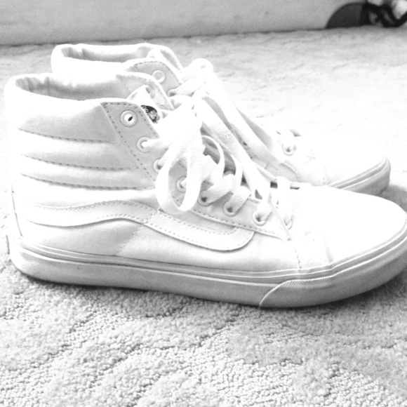 f573eb07 All white high top vans size 7